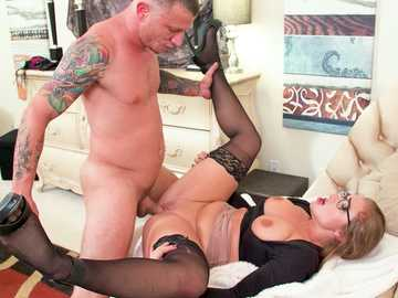 Wild boss's husband is banging assistant Skylar Snow