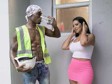 Big-breasted Latina Rose Monroe seduces black construction worker for wild sex