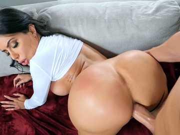 Lela Star: Smashing Ass