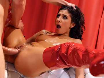 Gianna Dior: Whoring Out The Red Carpet