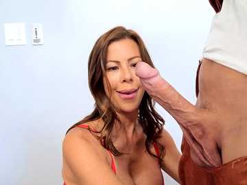Man doesn't take mask off not to make things undone when Alexis Fawx sucks off