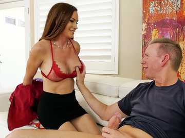 MILF Diamond Foxxx's Gaping Anal Investment