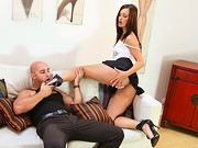 Simone Peach is young, slutty and has a massive foot fetish. Maybe even she couldn't tell ...