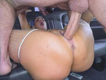 Voluptuous whore Kaden Kole services man in moving van and doesn't get paid